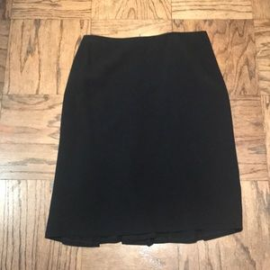 Classic black skirt with back detailed flare